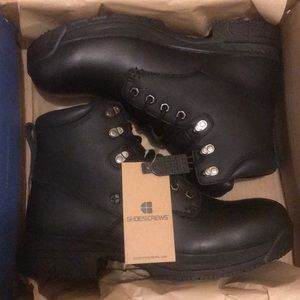 BRAND NEW Men's Boots (Size 11)